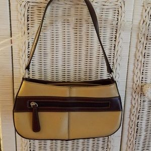 Handbags - Cute purse with dual zippers...front and back
